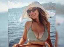 Cristina D'Avena in bikini